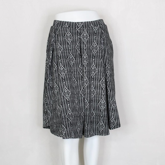 LuLaRoe Black and White Madison Skirt